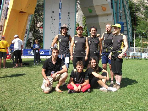 20110720165406-seleccion-espanola-paraclimbing-world-champion-2011.jpg